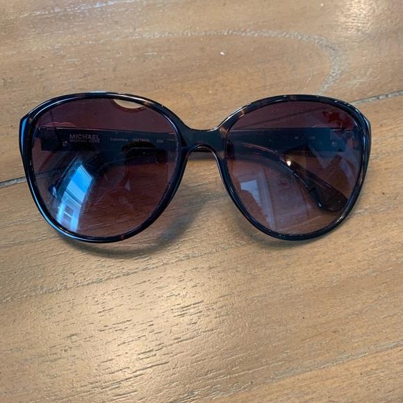441fdfbea2 Michael Kors Tortoise Sunglasses. M 5c7188e6d6dc5234d4a4ebd8